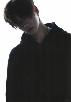 Kim Jinhwan: Can barely see his face but everything is perfection already Asian Boys, Asian Men, K Pop, Bobby, Kim Jinhwan, Jay Song, Ikon Debut, Ikon Kpop, Hip Hop