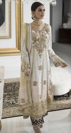 Designer Party Wear Dresses, Indian Designer Outfits, Indian Outfits, Indian Clothes, Desi Wedding Dresses, Pakistani Wedding Outfits, Simple Pakistani Dresses, Pakistani Dress Design, Nikkah Dress