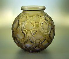 Vase signé P. d'Avesn.