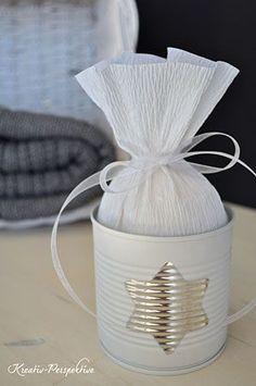 20 ideias criativas para reaproveitar latas de leite em pó vazias, lata de leite personalizadas, centro de mesa para festas, ideias para centro de mesa, como reaproveitar latas de mucilon vazias