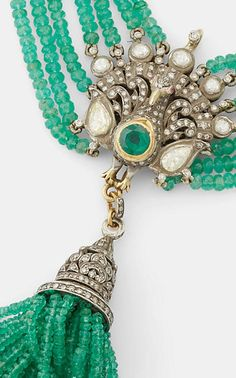 Damaged clasps are very typical on necklaces which see regular use. Advantage though that they are quickly changeable. Tassel Jewelry, Diamond Jewelry, Beaded Jewelry, Tassel Necklace, Necklaces, Russian Jewelry, Shoulder Jewelry, Wire Jewelry Making, Jewellery Sketches