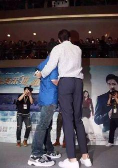 Long Legs Oppa | 长腿 | #Actor | #ActorLeeMinHo | #李敏鎬 | vs #Movie Director | Shintera | 申泰罗 | Photo | 23 June 2015 | XiAn 西安 |  RoadShow | #BountyHunters | (Source: Weibo:  MINHOMiffy_ | 20 July 2016 (Wed) @ 19:44 hours |Set of 9 | P01 of P09 |  THIS Post: 21 July 2016 (Thursday)
