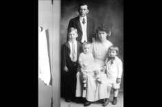 THE NIXON FAMILY:  Francis A. Nixon and Hannah Nixon with children: L-R: Harold, Donald, and Richard.  (1916)