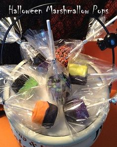 12 HALLOWEEN MARSHMALLOW POPS - just 50 cents each - The Perfect Party Goodies for school or daycare or  birthday parties