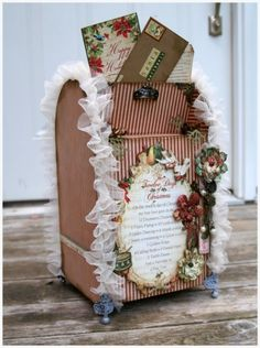 2013 Christmas mailbox cover decor, lace covered vintage mail box decor #2013 #christmas #mailbox #decor www.loveitsomuch.com