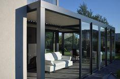 Biossun benelux project terrasoverkapping pergola couverture de terrasse met/avec verschuifbare glaswanden/des parois coulissantes en verre