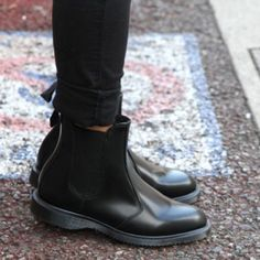 8786f55d3fc Dr Martens Black Chelsea Boot perfect condition