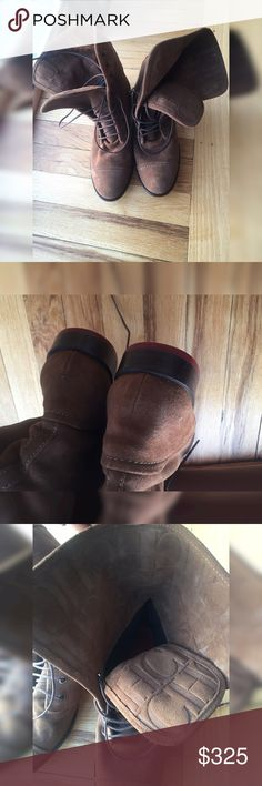 Carolina Herrera Brown Suede Lace Up Boots A size 39 in Spain is a US Size 8.5 These shoes are in excellent condition. Gently used. Some rubbing of the suede. Carolina Herrera Shoes Lace Up Boots