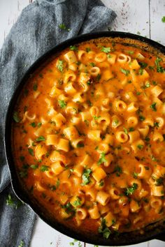 Mac And Cheese Inspireret Pastaret - Bienenstich Rezept Vegetarian Recipes, Cooking Recipes, Healthy Recipes, Pizza Recipes, Junk Food, Gluten Free Puff Pastry, Good Food, Yummy Food, Recipes From Heaven