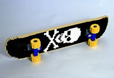 You got to love Nathan Sawaya: he makes these awesome LEGO sculptures. You've probably seen his Crackberry sculpture already, but these ones are a bit Lego Skateboard, Skateboard Design, Lego Sculptures, Small Sculptures, S Brick, Lego Brick, Brick Art, Lego Club, Skate Art