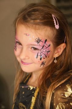 Halloween witch face painting - With Cameleon Metallic make-up colors you can achieve great results in face painting. Kids Witch Makeup, Halloween Makeup Witch, Kids Makeup, Halloween Make Up, Halloween Face, Witch Face Paint, Witch Painting, Lips Painting, Halloween Painting
