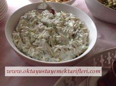 Pratik Erişte Salatası