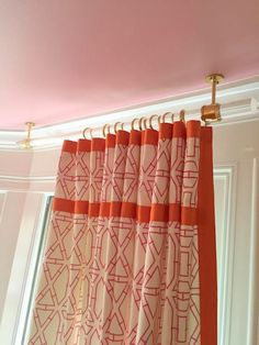 Mount curtain rod to ceiling - the pink clutch ...: One Room Challenge || The Details Vol. 2
