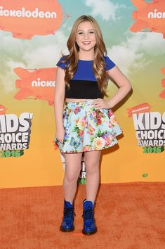 Ella Anderson Photos - Actress Ella Anderson attends Nickelodeon's 2016 Kids' Choice Awards at The Forum on March 2016 in Inglewood, California. Kids Choice Award, Choice Awards, Ella Anderson, Nickelodeon Girls, Inglewood California, Wwe Female Wrestlers, Wwe Womens, Famous Girls, Netflix Originals