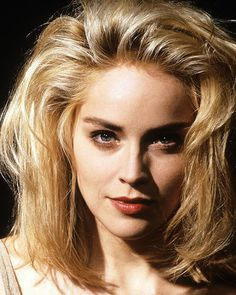 Movie Market - Photograph & Poster of Sharon Stone 217733 Blonde Actresses, Female Actresses, Black Actresses, Young Actresses, Female Celebrities, Timeless Beauty, Classic Beauty, Sharon Stone Hairstyles, Gorgeous Women