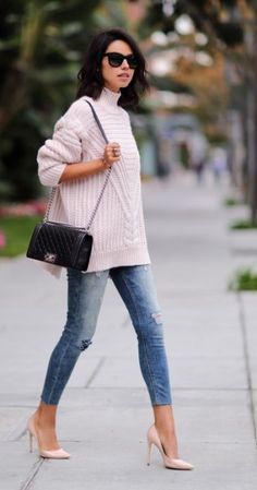 this light pink sweater looks so cozy and cute for fall