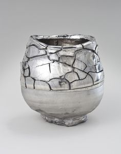 Platinum decorated Kairagi Shino bowl - Takuro Kuwata - Salon 94