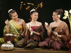 Khmer Traditional flower garland. Doung Zorida