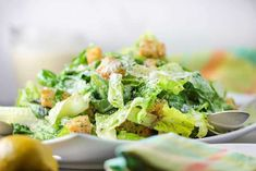 This Classic Caesar Salad is amazing, especially when you make the croutons and Caesar dressing from scratch. Perfect with an Italian entree. Italian Entrees, Italian Appetizers, Italian Dishes, Homemade Italian Dressing, Classic Caesar Salad, Ceasar Salad, Summer Salads With Fruit, Grilled Peaches, Bean Salad