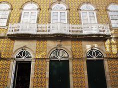 Fachada de Edifício em Barcelos, Portugal