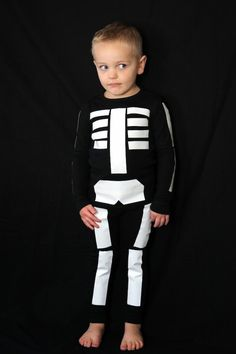 Easy DIY duct tape skeleton costume!