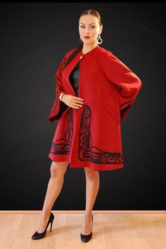 The Raven Swing coat has been a Feastwear classic for years. It is a style that is timeless.    Available custom made to measure sizes 4-16. Call Dorothy Grant at 604-943-0209 or e-mail at dorothy@dorothygrant.com