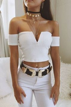 Shop the sultry collection of crop tops from Showpo, with new looks daily. FREE express shipping - buy now, wear tomorrow! White Fashion, Girl Fashion, Fashion Outfits, Womens Fashion, Mode Outfits, Trendy Outfits, Summer Outfits, Ropa Semi Formal, Top Mode