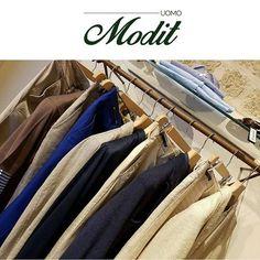 MODIT offre l'opportunità di scegliere tra diversi outfit di classe. Capi basic, classici, eleganti proposte da sera e street style casual. Scopri le nuove collezioni presso il nostro show-room.