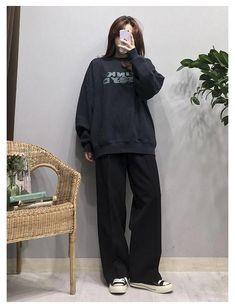 Korean Street Fashion, Korean Outfit Street Styles, Korean Girl Fashion, Korean Fashion Trends, Korea Fashion, Tomboy Fashion, Korean Outfits, Look Fashion, Streetwear Fashion