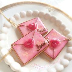 """・ ラブレタークッキー """"love"""" letter cookie♡ ・ ネックレス*Necklace ・ ・ ・ #ハンドメイド #pastel #パステル #きらきら #スワロ #レジン #ゆめかわいい#fairykei #pastels #prettyfood #スイーツデコ#カラフル #ファンシー #colorful #fancy #ラブレター #loveletter #アイシングクッキー #icingcookies #ネックレス#necklace Sugar Cookies, Gingerbread, Icing, Biscuits, Valentines Day, Water, Products, Hipster Stuff, Crack Crackers"""