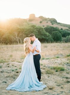 Romantic Hillside Anniversary Photos - Inspired By This http://www.canalflirt.com/love//?siteid=1713428