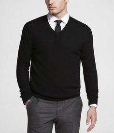 ITALIAN MERINO WOOL V-NECK SWEATER BLACK