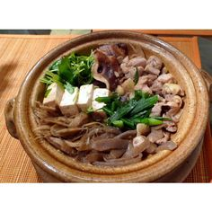 Chicken Sukiyaki - The Japanese Food Report ❤ liked on Polyvore featuring food and food and drink