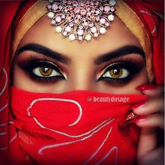 """""""Closer look! Who loves this look? Tag your friends and share it with them ______________________________________ Products used Pretty Makeup, Simple Makeup, Makeup Looks, Arabian Beauty Women, Indian Beauty, Indian Makeup, Cute Eyes, Pretty Eyes, Arabian Eyes"""
