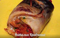 СКУМБРИЯ ЗАПЕЧЕННАЯ С ОВОЩАМИ<br>автор Наталья Кравченко<br><br>Продукты: 3-4 скумбрии, 2-3 капустных листа 1 морковь, 1 луковица, 1 сладкий перец, 1-2 помидора, 1-2 зубчика чеснока, зелень, соль, перец, растительное масло по вкусу.<br><br>Овощная начинка:морковь, лук, сладкий перец, томат без ко..