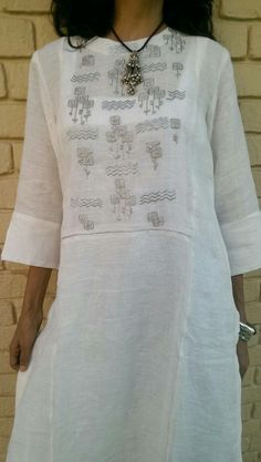 White n light tunics Salwar Designs, Kurti Neck Designs, Kurta Designs Women, Blouse Designs, Salwar Pattern, Kurta Patterns, Dress Patterns, Indian Attire, Indian Wear