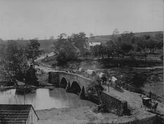 Soldiers and wagons crossing the Antietam Bridge - Sept 1862