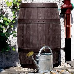 This attractive extra large brown wood-effect barrel water butt, made from PE polyethylene with deeply raised grain has a very realistic finish and holds a colossal 500 Litres /110 gallons Extra Large 500 Litre Brown Oak Effect Water Butt - Harrod Horticultural http://www.harrodhorticultural.com/extra-large-500-litre-brown-oak-effect-water-butt-pid9328.html