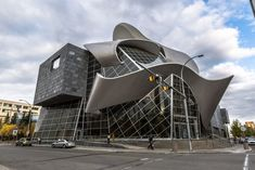 When in Alberta, be sure to take in the art both inside and outside the Art Gallery of Alberta. Located in the heart of the Arts District in downtown Edmonton, the 85,000-square-foot museum is the center for the presentation of regional, national, and international art. Architect Randall Stout cites the inspiration to the curving lines of the building to have been inspired by the North Saskatchewan River and aurora borealis.