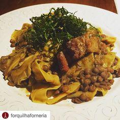 """#Repost @forquilhaforneria with @repostapp.  """"Maltagliati e Lenticchie"""" ... especial de hoje para um domingo frio e ensolarado! #forquilhabar #forquilhaforneria #baixopinheiros #maltagliati #pastaelenticchie #foodporn #lenticchie #truecooks #chefsroll #chefoninstagram #chef #cheflife #brasil #saopaulo #pinheiros #baixopinheiros #forquilhaforneria #picoftheday #likeforlike #eeeeeats #food #foodporn #topbrasilrestaurants #vsco #vscocam #vscogood #theartofplating by eppineda"""