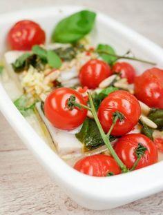 Rezept für Gebackener Seelachs mit Ingwer, Tomaten und Pinienkernen