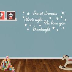 Muurtekst 'Sweet Dreams' met leuke sterren erbij voor in de kinderkamer.