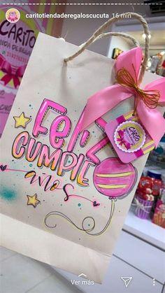 Carrito Dulcero | Cajas De Regalo Decoradas, Regalos Birthday Cards, Birthday Gifts, Happy Birthday Doodles, Hand Lettering Alphabet, Candy Bouquet, Party In A Box, Bullet Journal Ideas Pages, Diy Canvas Art, Diy Cards