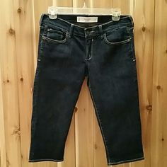 Abercrombie & Fitch denim capri's. New w/o tags. Perfect condition. Dark wash. 99% cotton, 1% elastane. Abercrombie & Fitch Jeans