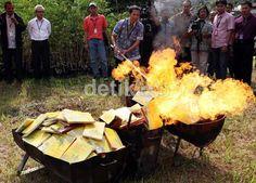 Gramedia Membakar Buku '5 Kota Paling Berpengaruh di Dunia' karena dinilai melecehkan Nabi. Bagaimana menurut anda?