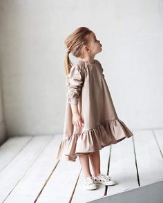 33 ideas for baby dress girl outfit Little Girl Fashion, Toddler Fashion, Fashion Kids, Little Girl Dresses, Girls Dresses, Moda Kids, Outfits Niños, Kids Wear, Baby Dress