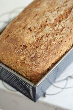 Tuore leipä on niin hyvää! Tämän leivän tuoreus on taattua muutamaksi päiväksi kuumajuuren ansiosta. Kuumajuuri on ikäänkuin tuore...