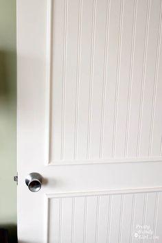 How to Add Molding Panels to a Flat Door How to Add Panels to Flat Hollow Core Door Pretty Handy Closet Door Makeover, Closet Doors, Door Redo, Pantry Closet, Closet Office, Basement Makeover, Home Renovation, Home Remodeling, Kitchen Remodeling