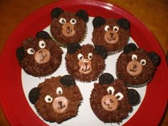 bear cupcakes w/ oreo ears | Bear cupcakes