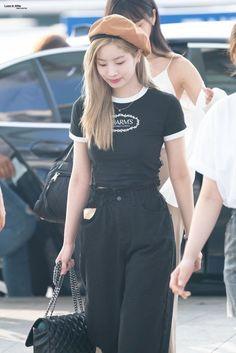 Kpop Fashion, Korean Fashion, Fashion Outfits, All White Outfit, White Outfits, Nayeon, Jihyo Twice, All Black Looks, Twice Dahyun